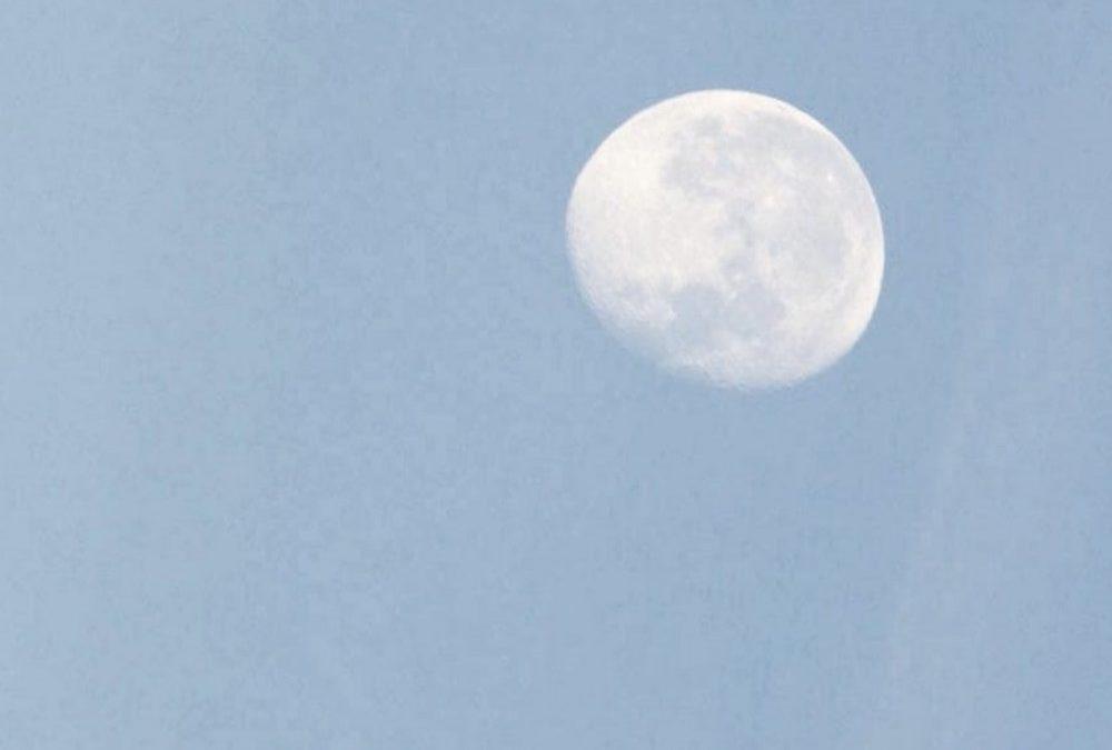 Warzen besprechen bei abnehmendem Mond